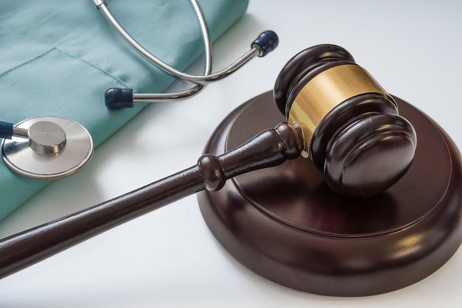 Arzthaftungsprozess: Beweislastumkehr bei lückenhafter Dokumentation