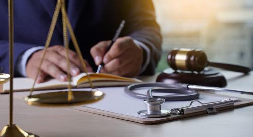 Arzthaftung - Folgen des erstinstanzlichen Verzichts auf eine Sachverständigenanhörung