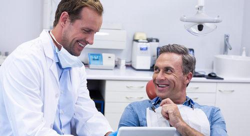 Zahnarzthaftung - Aufklärungspflicht über Unverträglichkeit von Titanimplantaten