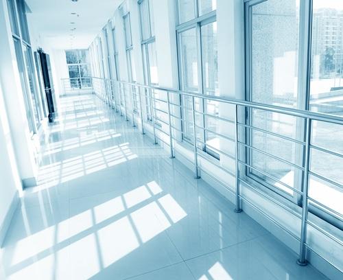 Krankenhaushaftung - Sprung eines verwirrten Patienten aus einem Fenster
