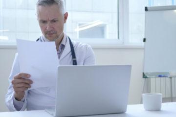 Postalische Übersendung eines Arztbriefes – nicht angekommen – Haftung?