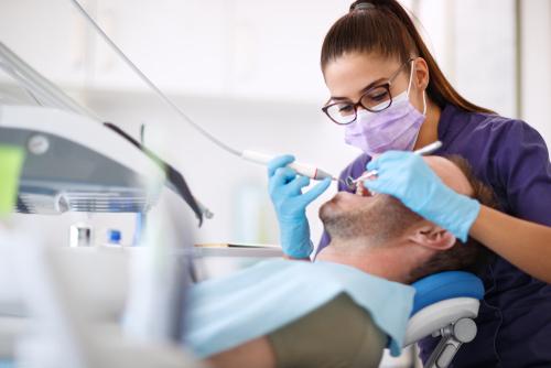Zahnarztvertrag - Wegfall Vergütungsanspruch