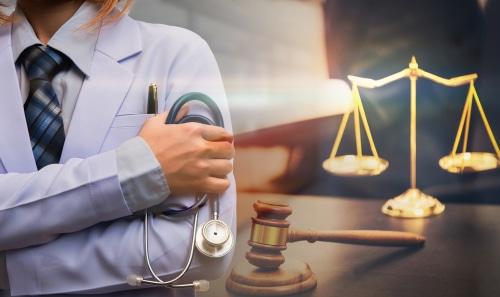 Arzt- bzw. Krankenhaushaftung: Voraussetzungen Behandlungs-/Aufklärungsfehler
