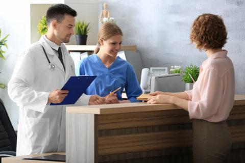 Arzt- und Krankenhaushaftung - Rechtzeitigkeit der Aufklärung bei ambulanten Eingriffen