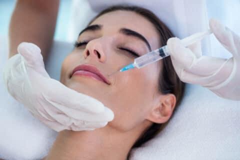 Kosmetische Behandlung mit Botox-Spritze ohne Risikoaufklärung
