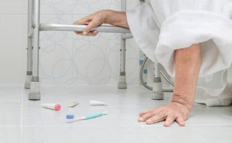 Haftung Krankenhausträger beim Sturz unaufmerksamen Patienten