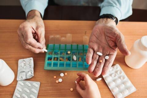 Grober Behandlungsfehler bei Nichtgabe von Medikamenten bei ungewissen Heilungschancen